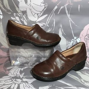 Born BOC Brown Leather Clogs Slip On Sz 8